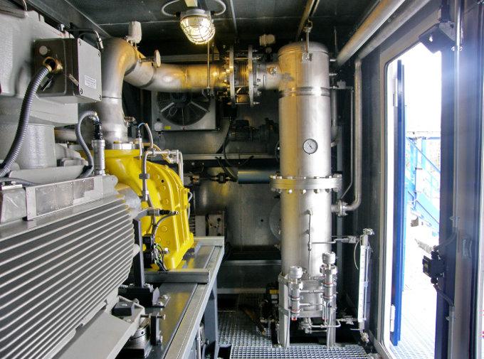 Фильтр-скруббер встроен в блок-модуль вакуумной компрессорной установки ЭНЕРГАЗ на ДНС-1 Вынгапуровского месторождения Газпромнефть-Ноябрьскнефтегаз