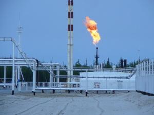Сжигание попутного газа на факеле