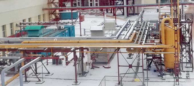 Площадка системы газоподготовки: слева – ДКС-1 (VPT Kompressoren), справа – новая ДКС-2 (ЭНЕРГАЗ)